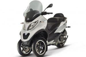Piaggio_mp3_500_abs_silver-700x700