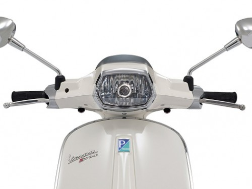 vespa_sprint_headlight-500x375