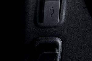 niu-electic-scooter-usb-plug