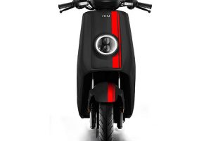 niu-ngt-3-colors-electric-scoote-black-red-strip-front