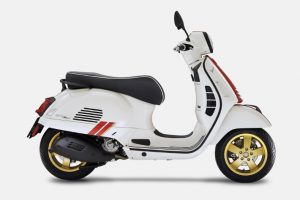 vespa-gts-hpe-racing-sixties-red-and-white-super