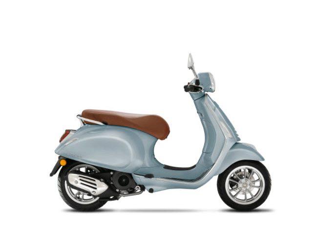 vespa-primavera-150-grigio-delicato-glossy-metalic-light-blue